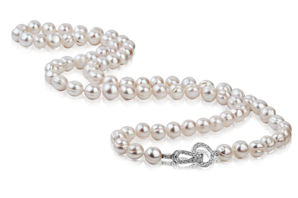 White freshwater queen pearl necklace mm for White pearl